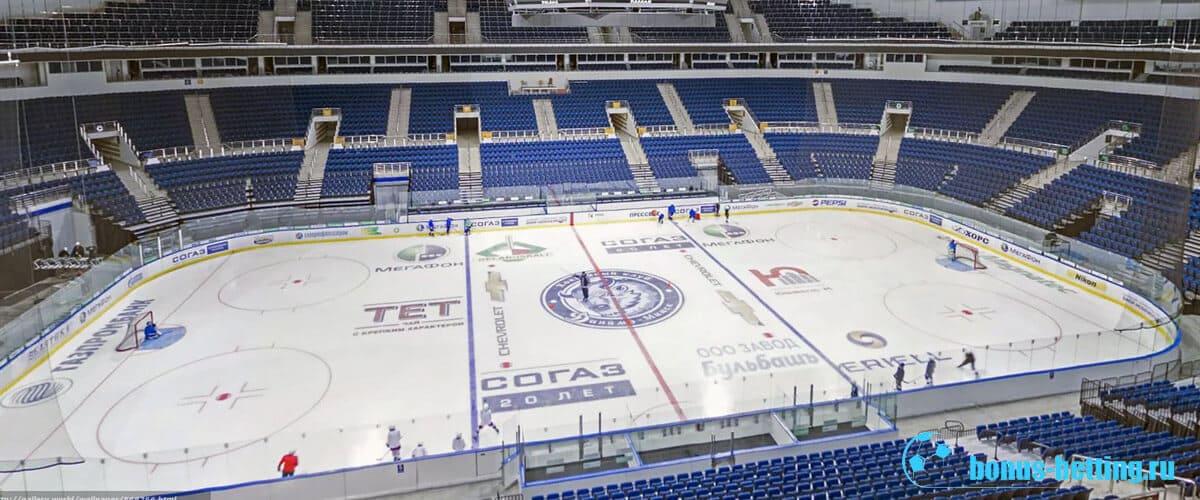 Европейская хоккейная площадка