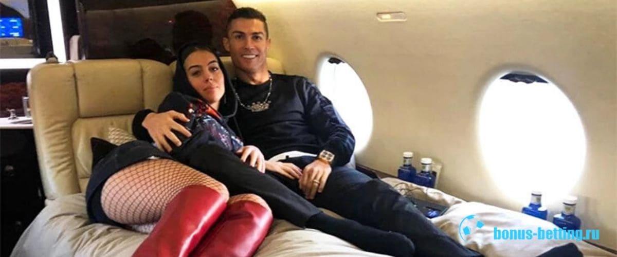 Роналду с супругой