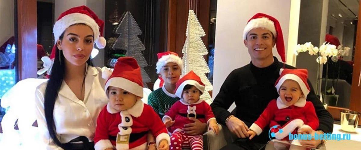 Новогорнее празднование Рождества Роналду 2018
